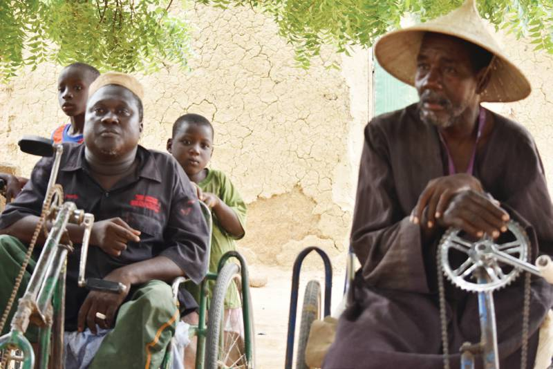 Fily Diarra, Chair of the Loudjouraton Group of Molodo (right), a Farmer Organisation supported by SAFE